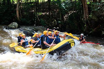 Descenso Rafting aguas bravas río aventura naturaleza