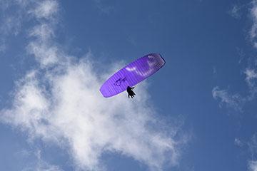 parapente cielo deporte extremo atardecer