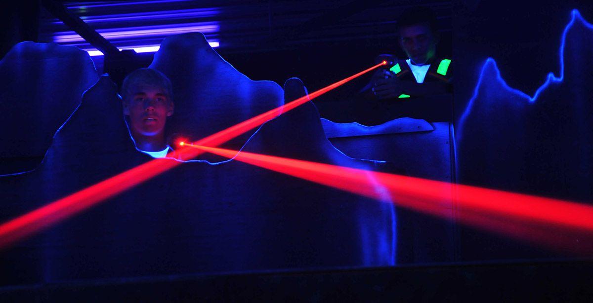 laser tag partida luces pistolas equipos euskadi